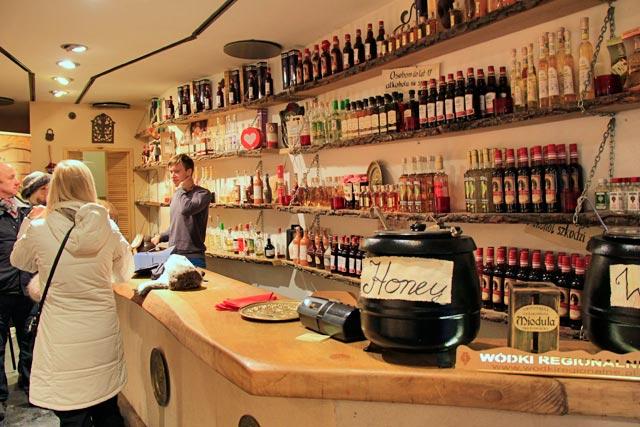 Loja de bebidas Staropolskie Trunki, na Rua Floriańska