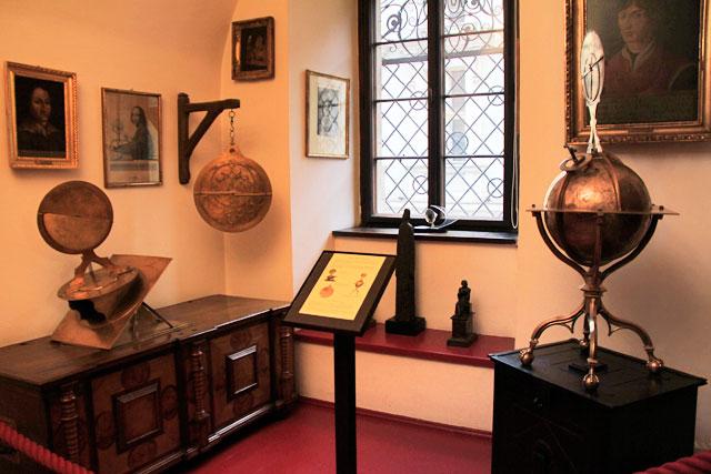 Instrumentos de Nicolau Copérnico, no Collegium Maius