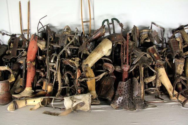 Objetos que pertenciam aos judeus, expostos no Auschwitz-Birkenau Memorial and Museum