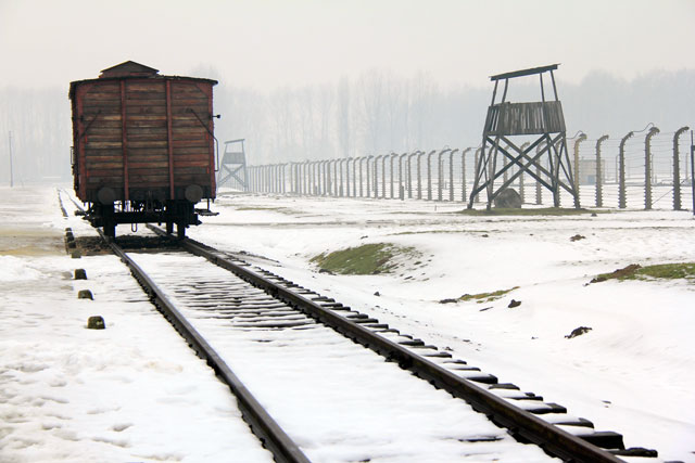 Réplica de vagão utilizado para transportar judeus até Auschwitz II
