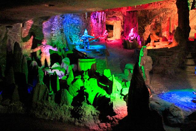 Gnomos esculpidos em sal, nas minas de sal de Wieliczka
