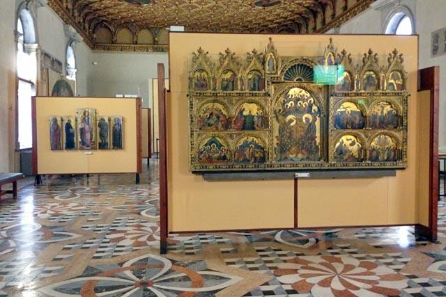 Painéis dos séculos 14 e 15, na Gallerie dell'Accademia