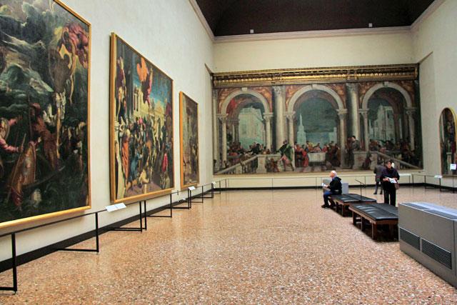 Gallerie dell'Accademia. Ao fundo está a obra de Paolo Veronese Ceia na casa de Levi, de 1573