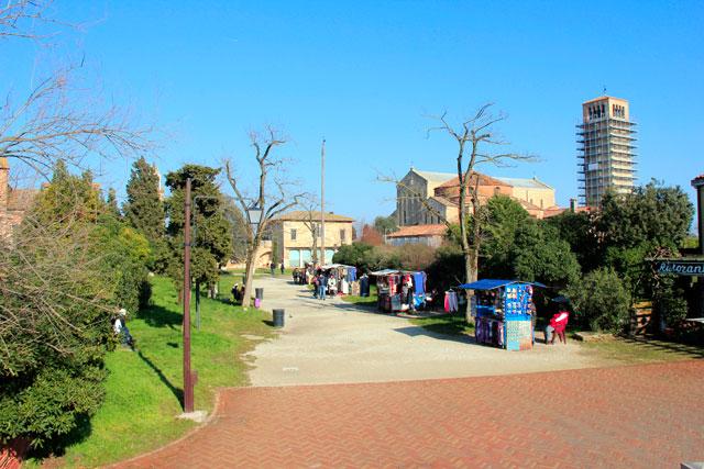 Torcello. Basilica di Santa Maria Assunta ao fundo