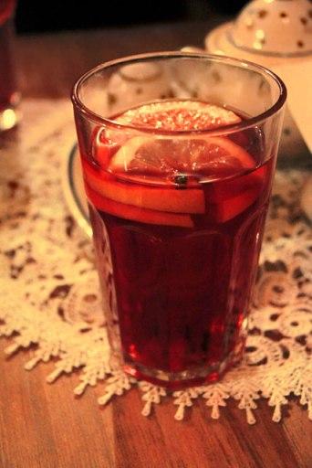 Bebida quente servida no Zapiecek