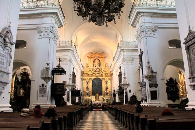 Interior da Igreja da Santa Cruz (Kościół św. Krzyża)