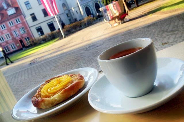 Cafeteria da Praça Līvu, na Cidade Velha