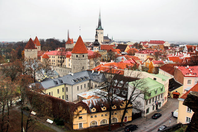 Tallinn vista da plataforma de observação de Patkuli