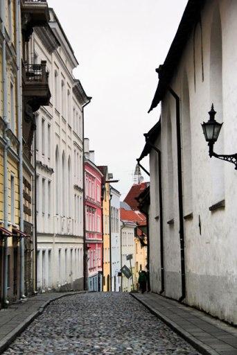 Rua Pühavaimu. Igreja do Espírito Santo à direita