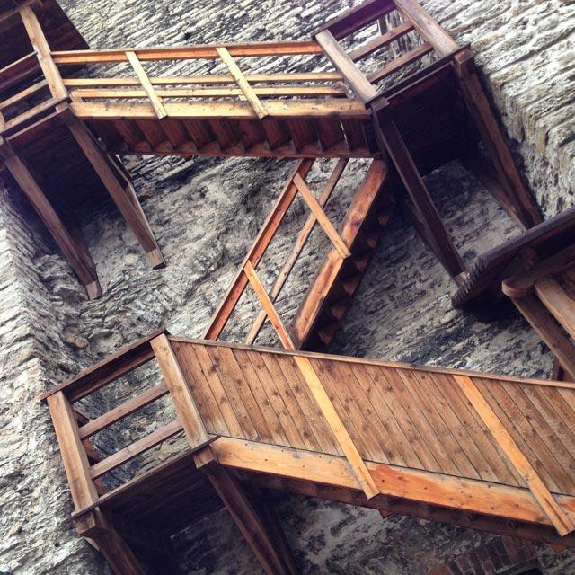 Escadaria da Torre Plate (Plate torn), na Rua Laboratooriumi, 29