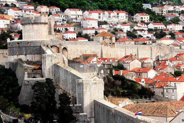 Muralhas de Dubrovnik vistas da Fortaleza de São Lourenço