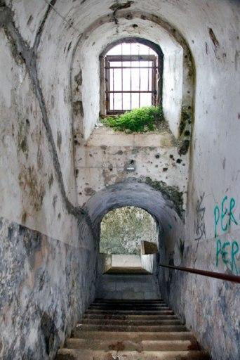 Escadaria que leva ao terraço do Forte Imperial