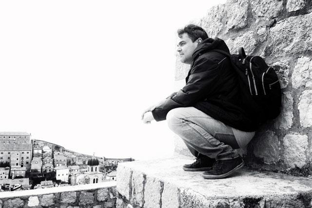Élcio nas Muralhas de Dubrovnik