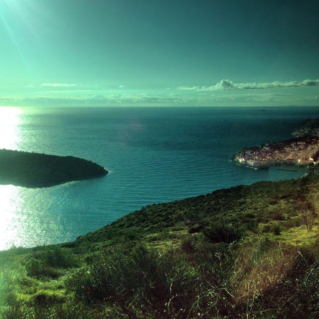 Dubrovnik vista da estrada que margeia o Mar Adriático (via Instagram)
