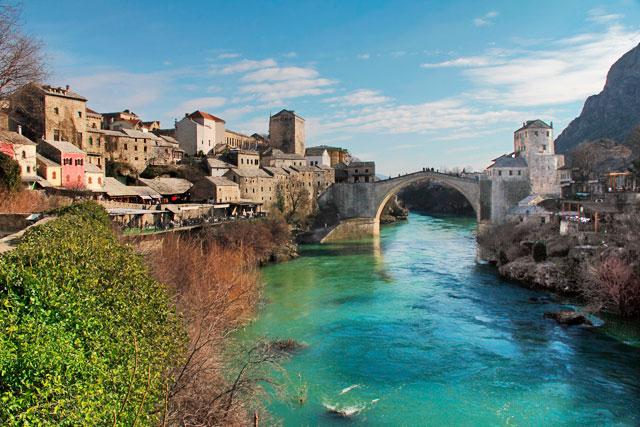 Ponte Velha sobre o rio Neretva, em Mostar