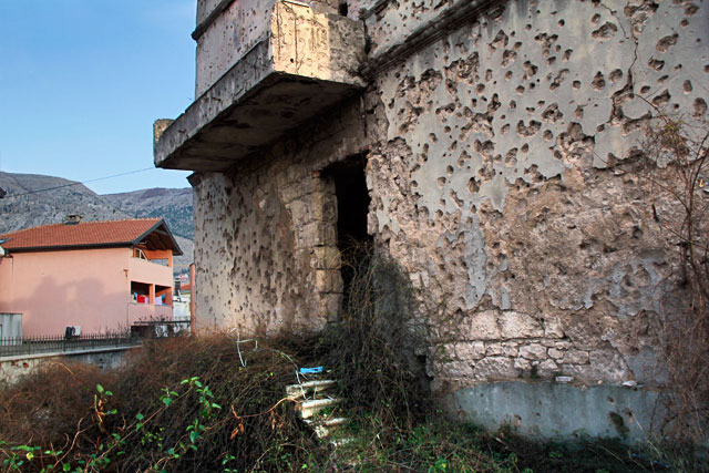 Edifício em ruínas na Bulevar